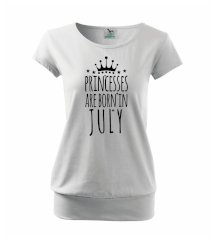 Princesses are born in July Voľné tričko city